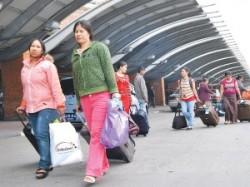 दस वर्षमा करोड नेपाली विदेश